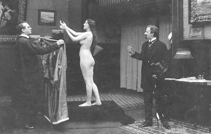 Audrey_Munson_as_nude_art_model_in_movie_Inspiration_(1915).jpg